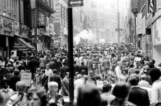 new-york-crowded-street